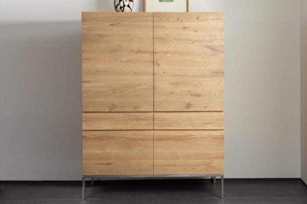 eiche hochschrank ligna schr nke vitrinen wohnen gooran gmbh. Black Bedroom Furniture Sets. Home Design Ideas